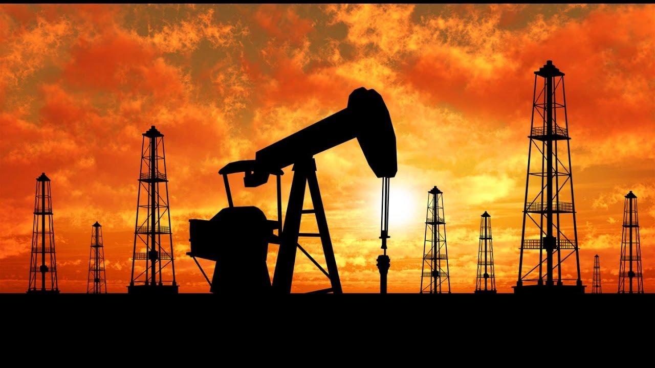 صورة النفط يرتفع وسط هبوط حاد في الإنتاج الأمريكي بفعل الأعاصير