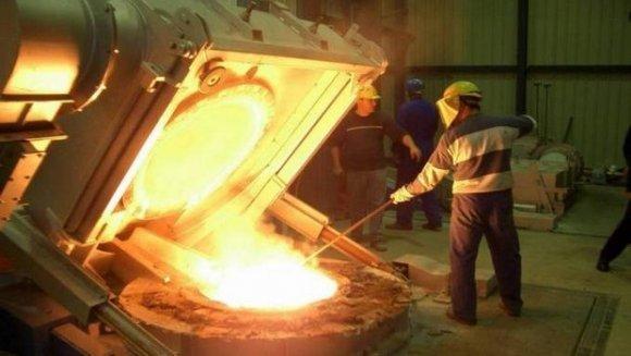 صورة بالفيديو.. هذه أسباب توقيف الفرن العالي بمصنع الحجار