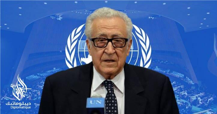 صورة الأخضر الإبراهيمي.. هرم الدبلوماسية الجزائرية