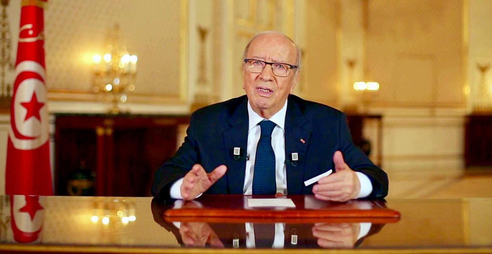 صورة لا معلومات رسمية عن تطور صحة الرئيس التونسي الباجي قايد السبسي