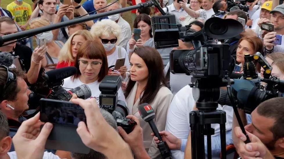 صورة بيلاروس: سحب اعتماد العديد من الصحافيين الأجانب