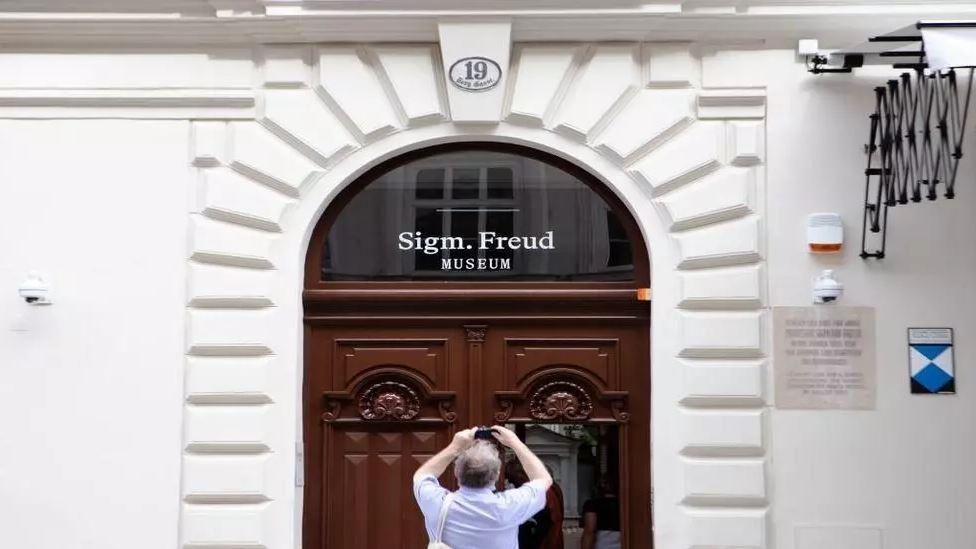 """صورة إعادة فتح متحف """"سيغموند فرويد"""" في فيينا"""
