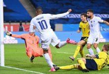 Photo de Ligue des nations : les Bleus l'emportent face à la Suède 1-0 à Solna