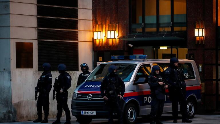 صورة وزير الداخلية النمساوي: مقتل 4 أشخاص جراء الهجوم في فيينا
