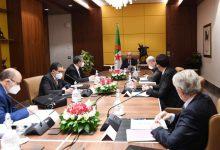 صورة رئيس الجمهورية يستقبل ممثلين عن كونفدراليات أرباب العمل لبحث قضايا الإنعاش الإقتصادي