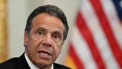 """صورة للمرة الثانية.. اتهام حاكم نيويورك بـ""""التحرش الجنسي"""""""