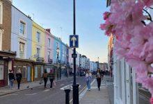 """صورة عمارات بألوان الحلويات.. تعرف على شوارع """"قوس قزح"""" في لندن"""