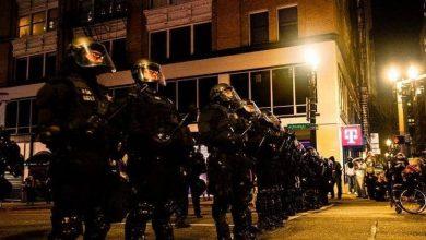 """صورة اعتقال 100 متظاهر أميركي بخطة """"الغليان"""".. وظهور """"أنتيفا"""""""