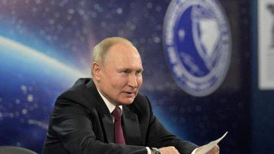 صورة بوتين يكشف عن حالته بعد تلقيه الجرعة الثانية من لقاح كورونا