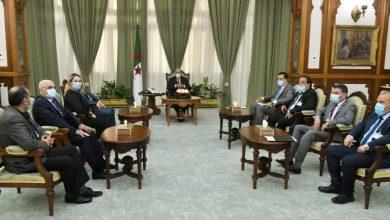 صورة رئيس الجمهورية السيد عبد المجيد تبون يستقبل ممثلين عن المجتمع المدني