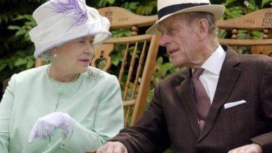 """صورة حداد """"خاص"""" من الملكة إليزابيث على زوجها الأمير فيليب"""