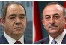 صورة وزير الشؤون الخارجية صبري بوقدوم يتلقى اتصالا هاتفيا من قبل وزير خارجية جمهورية تركيا مولود جاويش أوغلو