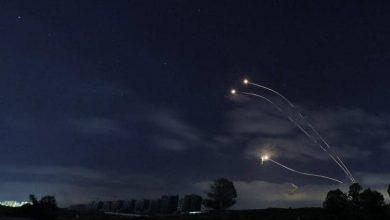 صورة إطلاق ثلاثة صواريخ من لبنان باتجاه اسرائيل