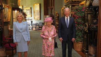 صورة بايدن: الملكة إليزابيث ذكرتني بأمي وسألتني عن بوتين وشي جين بينغ