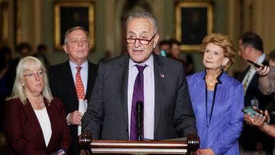 صورة زعيم الأغلبية بمجلس الشيوخ يؤيد سحب سلطة استخدام القوة العسكرية من البيت الأبيض