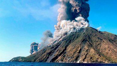 صورة ثوران بركاني إتنا وسترومبولي في إيطاليا
