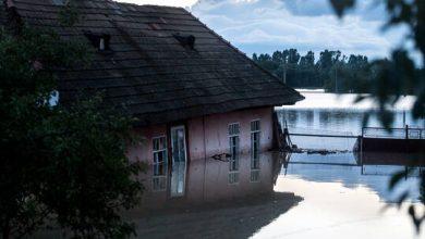 صورة مصرع شخصين جراء فيضانات في رومانيا