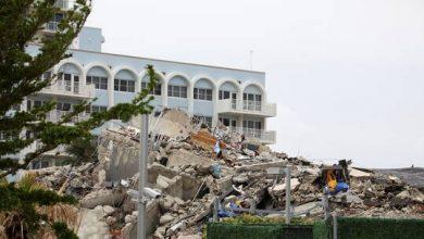صورة انتشال 15 جثة من موقع انهيار المبنى في فلوريدا الأمريكية وارتفاع عدد الضحايا إلى 79