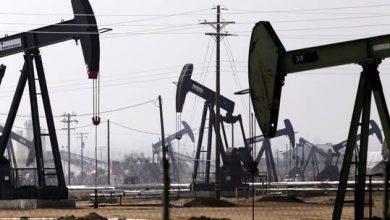 صورة النفط يعكس اتجاهه ويصعد متجاهلا بيانات أمريكية
