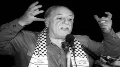 """صورة بعض المحطات في حياة """"أحمد جبريل"""".. سياسي فلسطيني من جيل """"البندقية"""""""