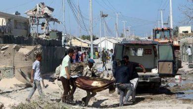 صورة الصومال.. قتلى وجرحى بتفجير انتحاري استهدف مطعما وسط العاصمة مقديشو