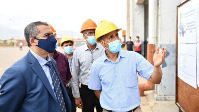 صورة سوناطراك: السيد الرئيس المدير العام توفيق حكار يقوم بزيارة تفقدية للمنطقة الصناعية لسكيكدة