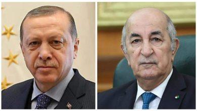 صورة رئيس  الجمهورية السيد عبد المجيد تبون يتلقى مكالمة هاتفية من أخيه السيد طيب رجب أردوغان رئيس الجمهورية التركية