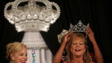 """صورة جميلة في عمر 63 عاما.. تفوز بلقب """"ملكة جمال المسنات"""