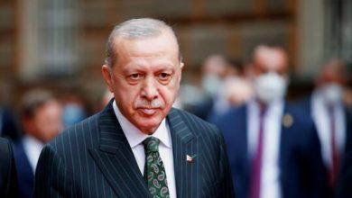 صورة أردوغان يشارك في احتفالات بمناسبة عيد النصر