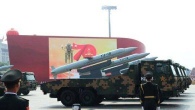 """صورة صاروخان صينيان يدمران هدفين """"للجيش الأزرق"""""""