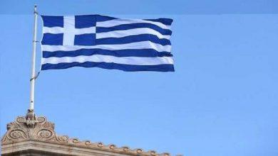 صورة اليونان تفرض إجراءات صارمة على العاملين غير المحصنين ضد كوفيد