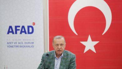 صورة أردوغان يتعهد ببدء أعمال البناء في الأماكن المتضررة من الحرائق في غضون شهر