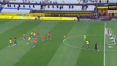 صورة شاهد.. لاعبو البرازيل يواصلون اللعب رغم انسحاب منتخب الأرجنتين