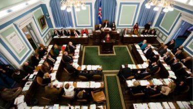 صورة آيسلندا أول دولة أوروبية تحوز فيها السيدات على غالبية المقاعد النيابية