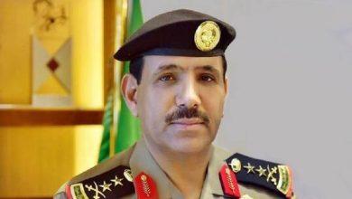 صورة صحفي سعودي ينفي شائعات عن وفاة مدير الأمن العام السابق بعد أن أقاله الملك سلمان