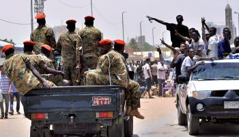 """صورة لحظة بلحظة .. """"انقلاب السودان"""""""