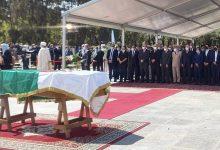صورة الرئيس السابق بوتفليقة يُوارى الثرى  بمربع الشهداء بمقبرة العالية
