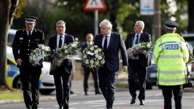 صورة جونسون وزعماء سياسيون يؤبنون النائب البريطاني في الكنيسة التي قتل فيها