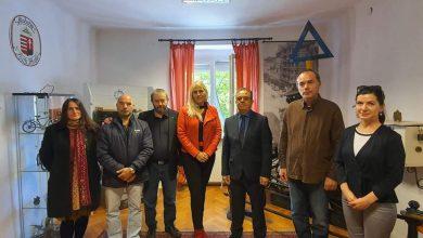 صورة السفير علي مقراني يقوم بزيارة إلى مقر بلدية اويبودا الواقعة بالمقاطعة 11 للعاصمة بودابست