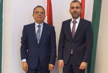 صورة السفير علي مقراني يلتقي كاتب الدولة المساعد لتطوير الصادرات المكلف بالتعاون الدولي والاستثمارات بوزارة الشؤون الخارجية والتجارة المجرية