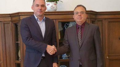 صورة السفير علي مقراني يقوم بزيارة عمل إلى الجامعة المجرية للفلاحة وعلوم الحياة بمدينة غودولو